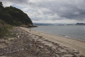 ゴミと砂浜