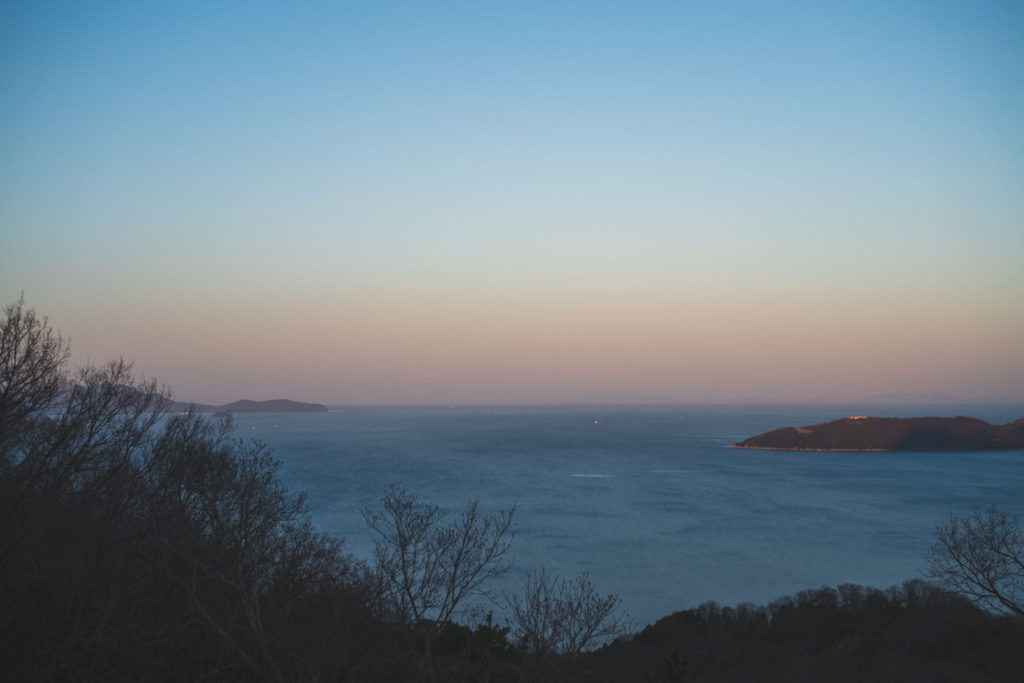 海が臨む風景 / View from a mountain in Aji town
